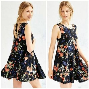 Ecote Clary Godet Black Floral Trapeze Swing Dress